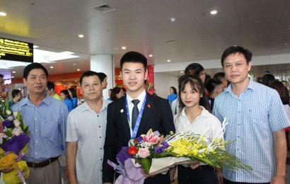 Đại diện trường Cao đẳng nghề Việt Xô số 1 đón đoàn thi tay nghề Asean năm 2018