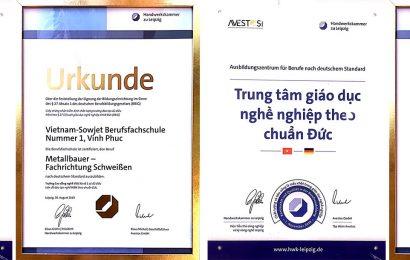 Trường Cao đẳng nghề Việt Xô số 1 vinh dự đón nhận Giấy chứng nhận có đủ điều kiện để đào tạo nghề Hàn theo chuẩn CHLB Đức