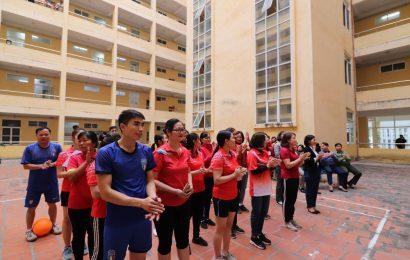 Khai mạc Giải bóng chuyền hơi nam nữ Công nhân viên chức  trường CĐ nghề Việt Xô số 1